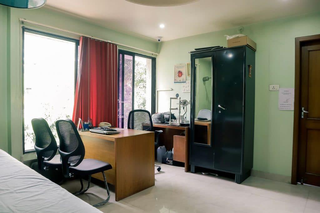 Consultation Room-click-2