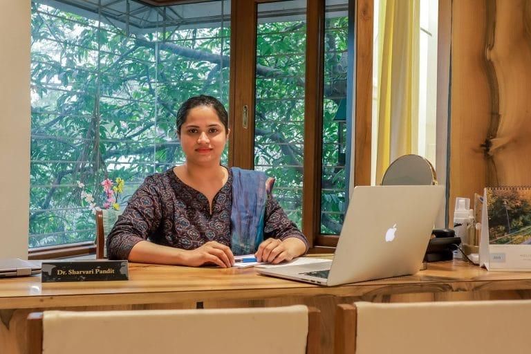 Dr Sharvari Pandit_click-1