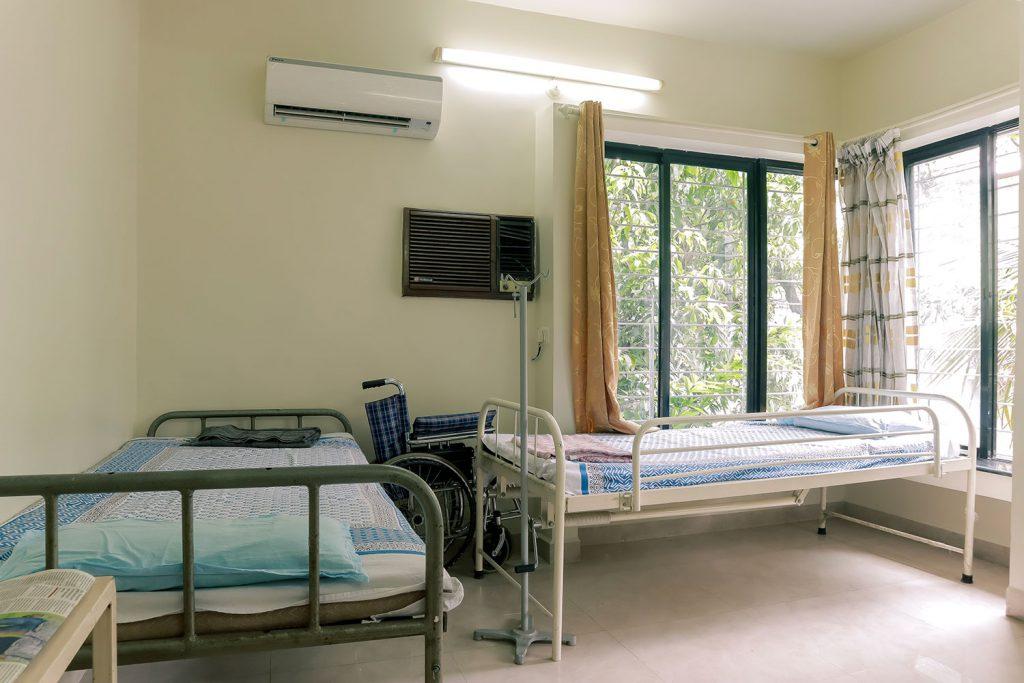 Patient Room_2 Pandit Clinic