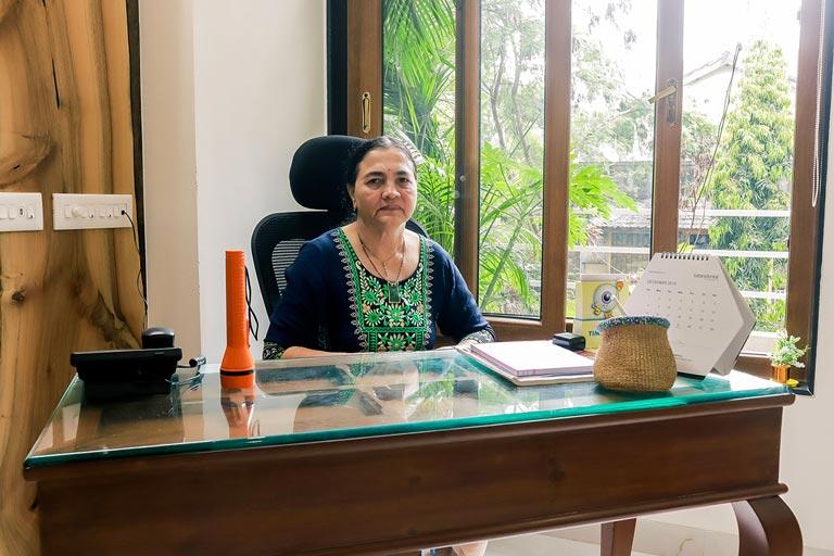 Dr-Jayashri-Pandit-eye-specialist