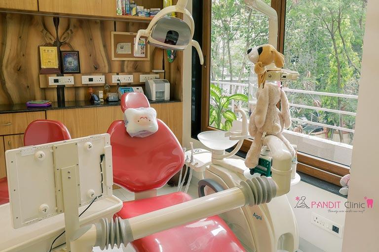 Pediatrics-Consultation-Room-pandit-clinic