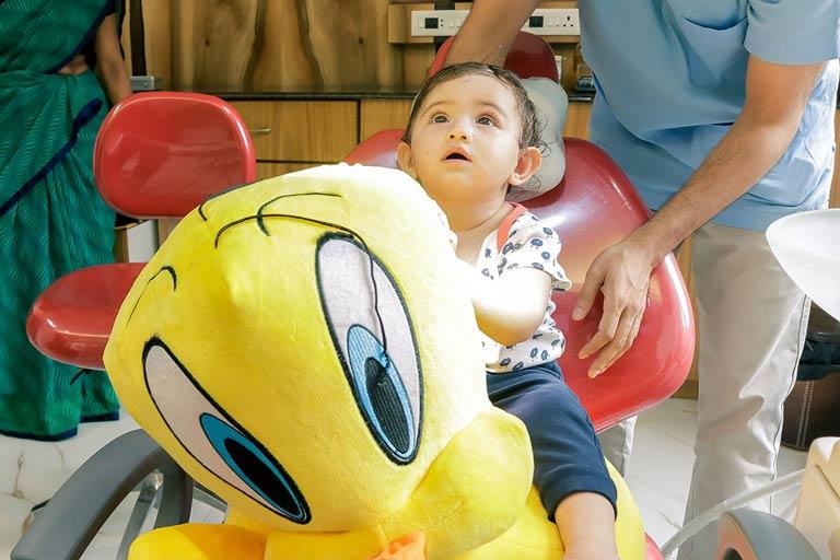 first-dental-visit-pediatrics-Dr-pratibha-kukreja