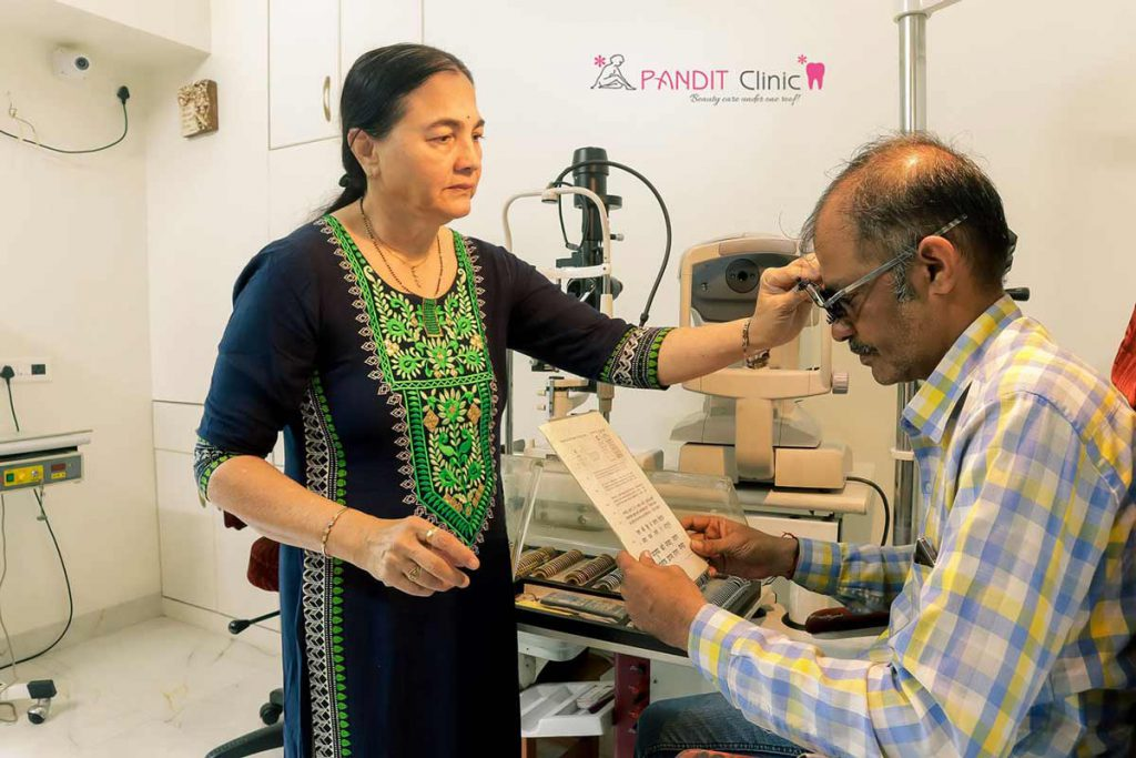 Eyes Checkup_1 Pandit Clinic